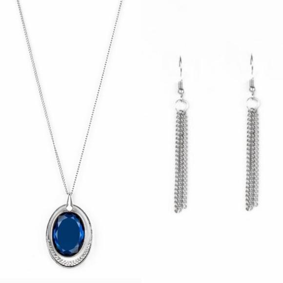 🌻 2/$10 Paparazzi long blue necklace & earrings